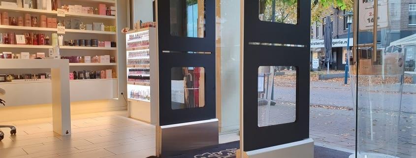 Artikelbeveiliging - productbeveiliging - winkelbeveiliging - detectiepoortjes - radio frequent - RF - winkel - winkeldief - parfum - parfumerie - Pour Vous - AS Watson - TAGIT - Premium Light - Wifi